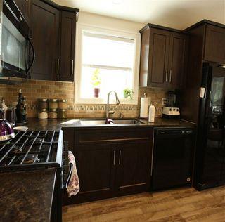 "Photo 5: 40 53480 BRIDAL FALLS Road in Rosedale: Rosedale Popkum Manufactured Home for sale in ""BRIDAL FALLS RESORT"" : MLS®# R2392435"