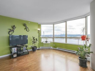 "Photo 5: 502 328 CLARKSON Street in New Westminster: Downtown NW Condo for sale in ""HIGHBOURNE TOWER"" : MLS®# R2395845"