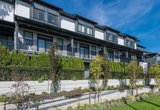"""Photo 2: 9 34825 DELAIR Road in Abbotsford: Abbotsford East Townhouse for sale in """"Breeze"""" : MLS®# R2399984"""