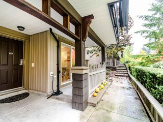 "Photo 2: 7 2200 PANORAMA Drive in Port Moody: Heritage Woods PM Townhouse for sale in ""THE QUEST"" : MLS®# R2414883"