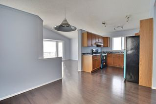 Photo 3: 3130 30 Avenue NW in Edmonton: Zone 30 House for sale : MLS®# E4182173