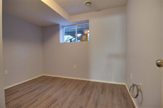 Photo 17: 3130 30 Avenue NW in Edmonton: Zone 30 House for sale : MLS®# E4182173