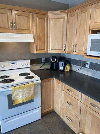 Photo 3: 303 11827 105 Street in Edmonton: Zone 08 Condo for sale : MLS®# E4196544