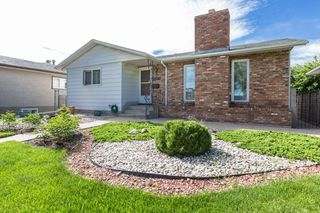 Photo 2: 12211 137 Avenue in Edmonton: Zone 01 House for sale : MLS®# E4203299