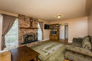 Photo 3: 12211 137 Avenue in Edmonton: Zone 01 House for sale : MLS®# E4203299