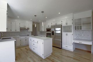 Photo 10: 83 SILVERSTONE Road NW in Calgary: Silver Springs Detached for sale : MLS®# A1022592