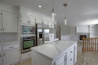 Photo 9: 83 SILVERSTONE Road NW in Calgary: Silver Springs Detached for sale : MLS®# A1022592
