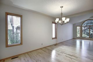 Photo 5: 83 SILVERSTONE Road NW in Calgary: Silver Springs Detached for sale : MLS®# A1022592