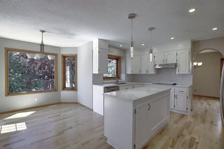 Photo 11: 83 SILVERSTONE Road NW in Calgary: Silver Springs Detached for sale : MLS®# A1022592