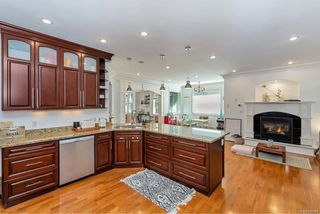 Photo 11: 1009 Southover Lane in : SE Broadmead House for sale (Saanich East)  : MLS®# 856884