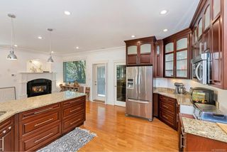 Photo 9: 1009 Southover Lane in : SE Broadmead House for sale (Saanich East)  : MLS®# 856884