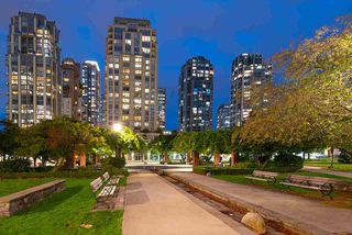 "Photo 28: 1905 1188 RICHARDS Street in Vancouver: Yaletown Condo for sale in ""PARK PLAZA"" (Vancouver West)  : MLS®# R2508576"