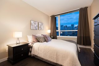 "Photo 7: 1905 1188 RICHARDS Street in Vancouver: Yaletown Condo for sale in ""PARK PLAZA"" (Vancouver West)  : MLS®# R2508576"