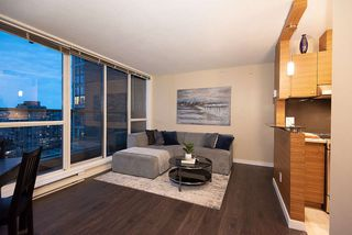 "Photo 15: 1905 1188 RICHARDS Street in Vancouver: Yaletown Condo for sale in ""PARK PLAZA"" (Vancouver West)  : MLS®# R2508576"