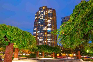 "Photo 1: 1905 1188 RICHARDS Street in Vancouver: Yaletown Condo for sale in ""PARK PLAZA"" (Vancouver West)  : MLS®# R2508576"
