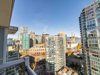 """Photo 11: 2003 821 CAMBIE Street in Vancouver: Downtown VW Condo for sale in """"Raffles on Robson"""" (Vancouver West)  : MLS®# R2512191"""