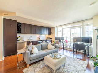 "Photo 5: 2003 821 CAMBIE Street in Vancouver: Downtown VW Condo for sale in ""Raffles on Robson"" (Vancouver West)  : MLS®# R2512191"