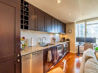 """Photo 8: 2003 821 CAMBIE Street in Vancouver: Downtown VW Condo for sale in """"Raffles on Robson"""" (Vancouver West)  : MLS®# R2512191"""