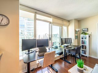 """Photo 12: 2003 821 CAMBIE Street in Vancouver: Downtown VW Condo for sale in """"Raffles on Robson"""" (Vancouver West)  : MLS®# R2512191"""