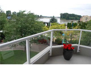 """Photo 2: 304 1250 QUAYSIDE Drive in New Westminster: Quay Condo for sale in """"THE PROMENADE"""" : MLS®# V884325"""