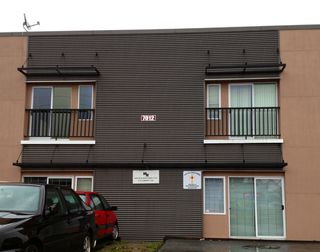 Photo 1: 7012 Merritt Avenue in Burnaby: Home for lease (Burnaby South)
