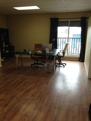 Photo 3: 7012 Merritt Avenue in Burnaby: Home for lease (Burnaby South)
