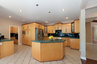 "Photo 9: 5445 123RD Street in Surrey: Panorama Ridge House for sale in ""PANORAMA RIDGE"" : MLS®# F1409369"