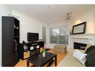 "Photo 4: 107 509 CARNARVON Street in New Westminster: Downtown NW Condo for sale in ""HILLSIDE PLACE"" : MLS®# V1063206"