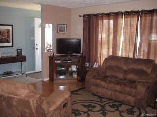 Photo 3: 584 Bronx Avenue in WINNIPEG: East Kildonan Residential for sale (North East Winnipeg)  : MLS®# 1508801