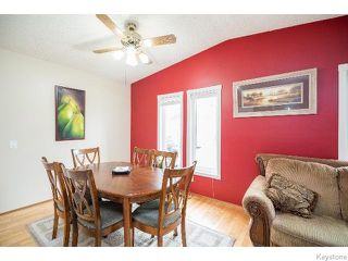 Photo 3: 2 Bellemer Drive in WINNIPEG: Fort Garry / Whyte Ridge / St Norbert Residential for sale (South Winnipeg)  : MLS®# 1518436