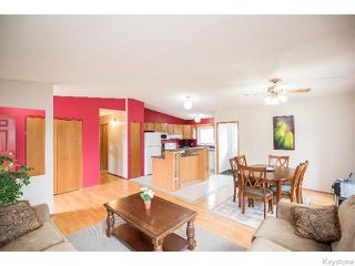 Photo 2: 2 Bellemer Drive in WINNIPEG: Fort Garry / Whyte Ridge / St Norbert Residential for sale (South Winnipeg)  : MLS®# 1518436