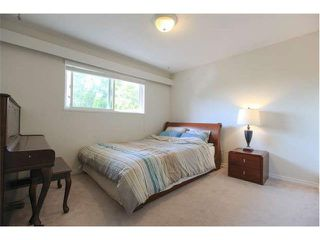 Photo 10: 7964 GOODLAD Street in Burnaby: Burnaby Lake House 1/2 Duplex for sale (Burnaby South)  : MLS®# V1133790