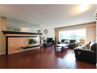 Photo 3: 7964 GOODLAD Street in Burnaby: Burnaby Lake 1/2 Duplex for sale (Burnaby South)  : MLS®# V1133790