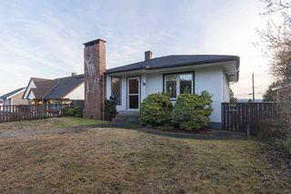 Photo 2: 739 E KEITH Road in North Vancouver: Queensbury House for sale : MLS®# R2022041