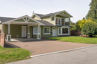 "Photo 1: 1357 OAKWOOD Crescent in North Vancouver: Norgate House for sale in ""NORGATE"" : MLS®# R2058516"