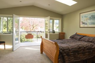 "Photo 16: 1357 OAKWOOD Crescent in North Vancouver: Norgate House for sale in ""NORGATE"" : MLS®# R2058516"