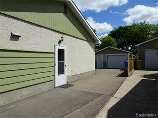 Photo 2: 3615 KING Street in Regina: Single Family Dwelling for sale (Regina Area 05)  : MLS®# 576327