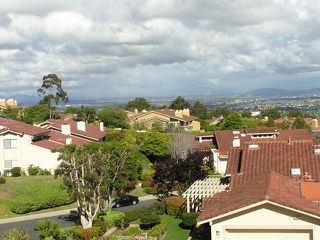 Photo 1: LA JOLLA Twinhome for rent : 2 bedrooms : 6383 Cardeno