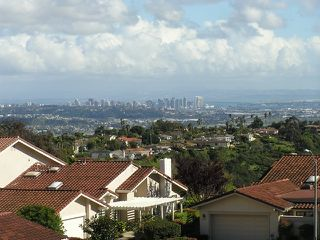Photo 2: LA JOLLA Twinhome for rent : 2 bedrooms : 6383 Cardeno