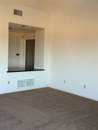 Photo 5: LA JOLLA Twinhome for rent : 2 bedrooms : 6383 Cardeno