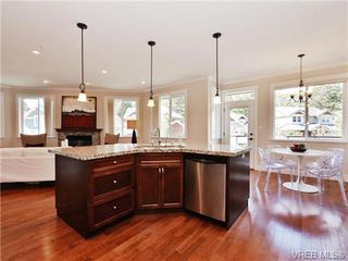 Photo 9: 2190 Stone Gate in VICTORIA: La Bear Mountain House for sale (Langford)  : MLS®# 742142