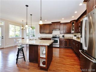 Photo 10: 2190 Stone Gate in VICTORIA: La Bear Mountain House for sale (Langford)  : MLS®# 742142
