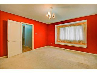 Photo 10: 1240 CROSS Crescent SW in Calgary: Chinook Park House for sale : MLS®# C4087966