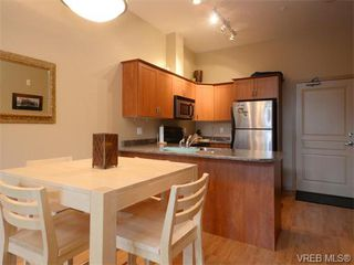 Photo 7: 411 655 Goldstream Ave in VICTORIA: La Fairway Condo Apartment for sale (Langford)  : MLS®# 745758