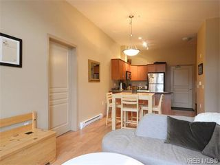 Photo 3: 411 655 Goldstream Ave in VICTORIA: La Fairway Condo Apartment for sale (Langford)  : MLS®# 745758