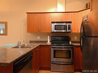 Photo 10: 411 655 Goldstream Ave in VICTORIA: La Fairway Condo Apartment for sale (Langford)  : MLS®# 745758