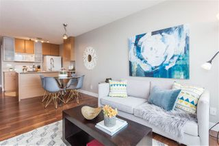 """Main Photo: 3401 909 MAINLAND Street in Vancouver: Yaletown Condo for sale in """"YALETOWN PARK"""" (Vancouver West)  : MLS®# R2126957"""