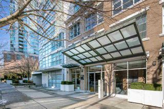 "Photo 3: 902 189 NATIONAL Avenue in Vancouver: Mount Pleasant VE Condo for sale in ""SUSSEX BY Bosa"" (Vancouver East)  : MLS®# R2141629"