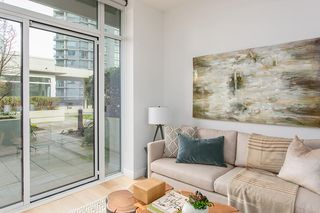 """Photo 2: 304 1211 MELVILLE Street in Vancouver: Coal Harbour Townhouse for sale in """"The Ritz"""" (Vancouver West)  : MLS®# R2142281"""