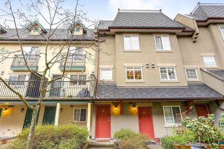"Photo 2: 19 1561 BOOTH Avenue in Coquitlam: Maillardville Townhouse for sale in ""THE COURCELLES"" : MLS®# R2147892"